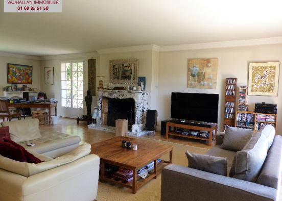 RARE !!! Spacieuse maison au centre de Vauhallan avec terrain de 2450 m2 environ